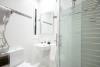 Habitaciones con baño compartido y servicio de lavandería